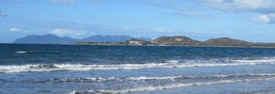 cropped-cropped-cropped-cropped-waters-of-queens-beach12.jpg