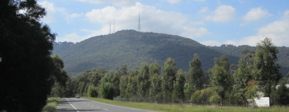 cropped-dandenongs-liverpool-road-sunny-day-april-2012.jpg