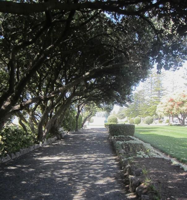 Garden bench Napier